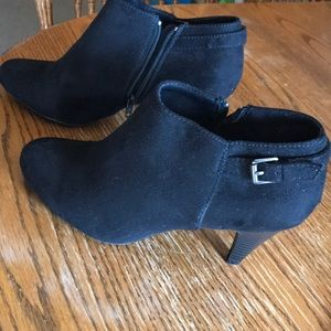 Predictions Comfort Plus Ankle Bootie, Black